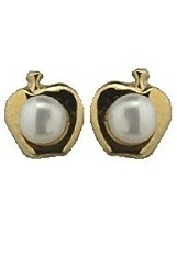 5mm // 3mm Cultivated Pearl 18K Yellow Gold Cultivated Pearl Heart earring with covererd screwback